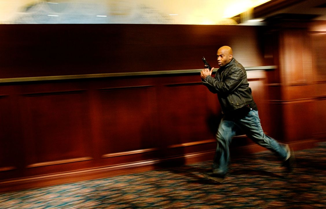 """Spezialagent Connors (Anthony """"Treach"""" Criss) lässt sich auf einen Deal ein, der ihm zwar das Augenlicht zurückgibt, ihm aber nun das Leben nehmen... - Bildquelle: Sony 2007 CPT Holdings, Inc.  All Rights Reserved."""