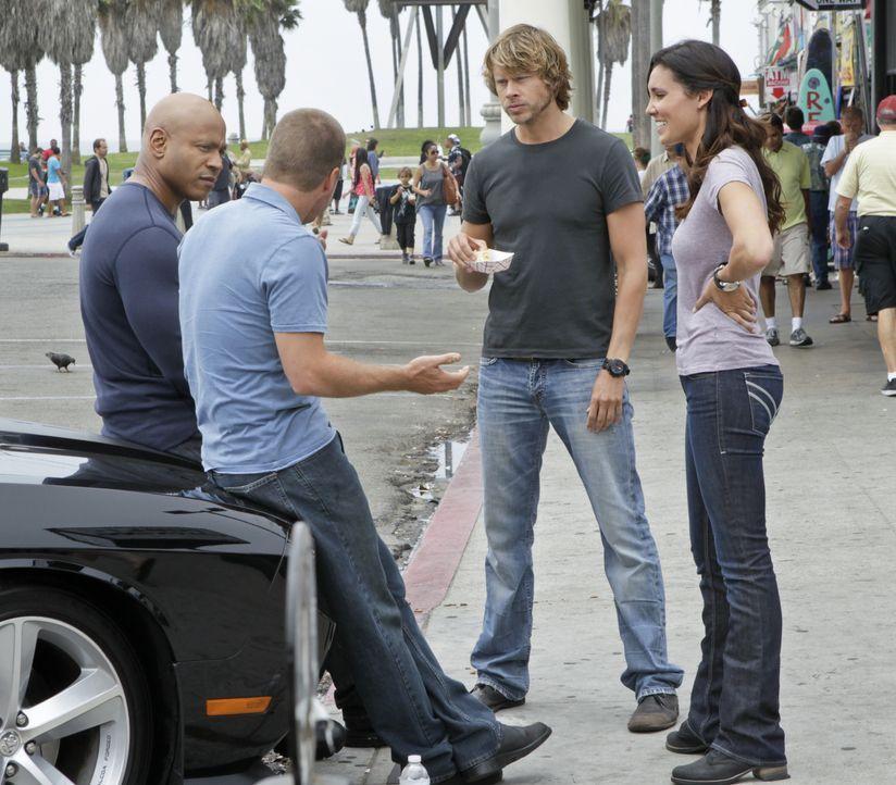 Untersuchen einen neuen Mordfall: Callen (Chris O'Donnell, 2.v.l.), Sam (LL Cool J, l.), Kensi (Daniela Ruah, r.) und Deeks (Eric Christian Olsen, 2... - Bildquelle: CBS Studios Inc. All Rights Reserved.