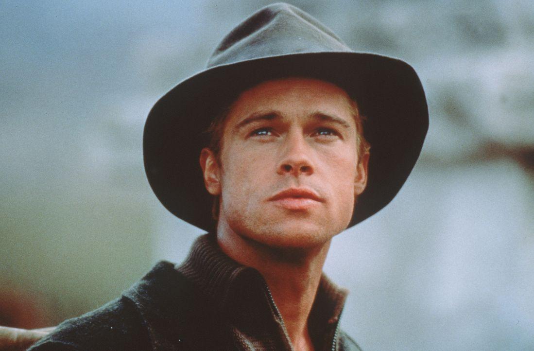 Im Jahre 1939 tritt der österreichische Bergsteiger Heinrich Harrer (Brad Pitt) eine schwierige Reise in das Himalaja-Gebirge an. Dort will er als... - Bildquelle: TriStar Pictures