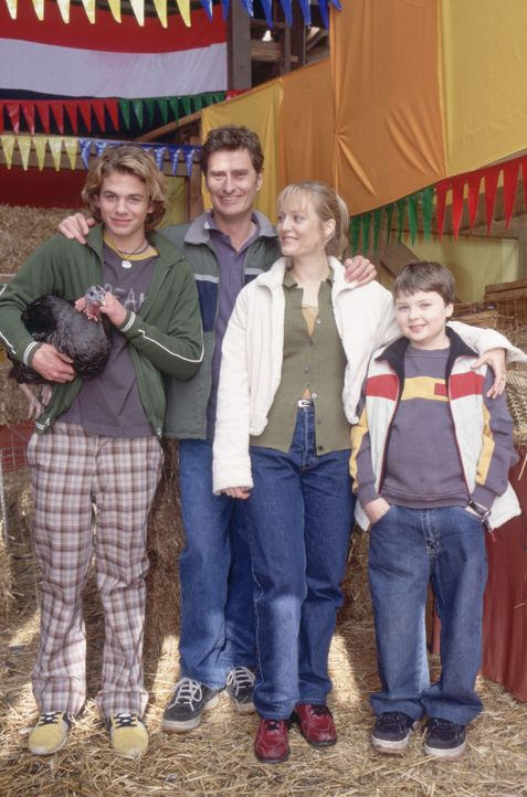 Eines Tages stehen die Lansings (v.l.n.r.) Alex (A.J. Trauth), Dave (Peter Feeney), Pam (Sally Stockwell) und Stevie (Spencer Breslin) vor einem Rä... - Bildquelle: The Disney Channel