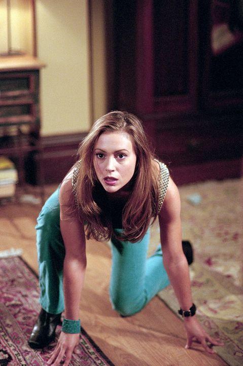 Phoebe (Alyssa Milano) will, dass Piper zugibt, wütend auf ihre Halbschwester zu sein ... - Bildquelle: Paramount Pictures