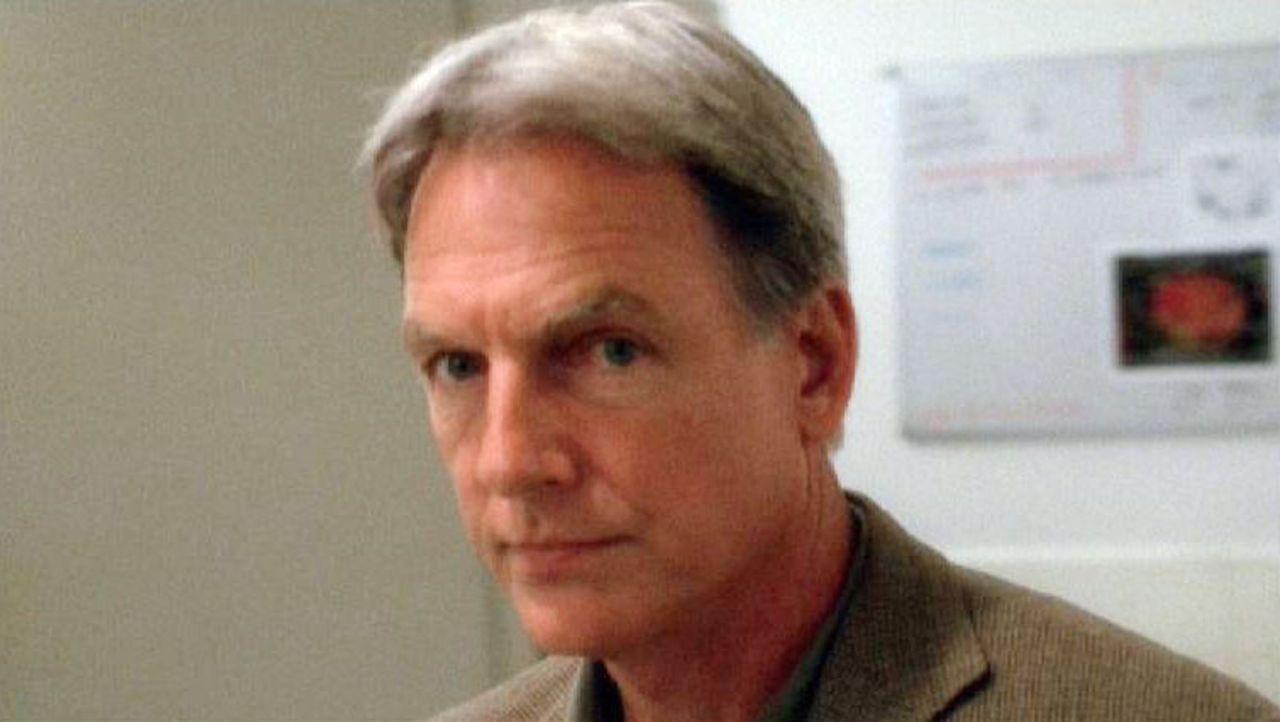 Gibbs (Mark Harmon) und sein Team stoßen bei ihren Ermittlungen gleich auf zwei Frauen, die mit Lance Corporal Finn verlobt waren ... - Bildquelle: Sat.1