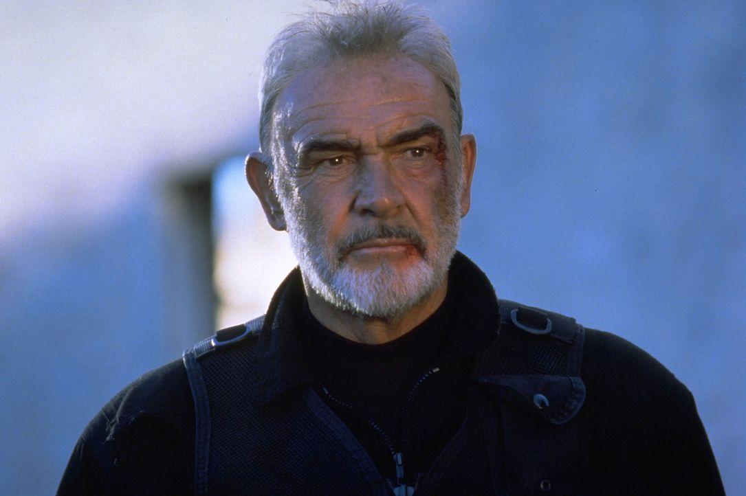 Er hat das Unmögliche geschafft: SAS-Agent John Mason (Sean Connery) gelangt durch das Tunnelsystem von Alcatraz in die Freiheit ... - Bildquelle: Hollywood Pictures Company.  All rights reserved