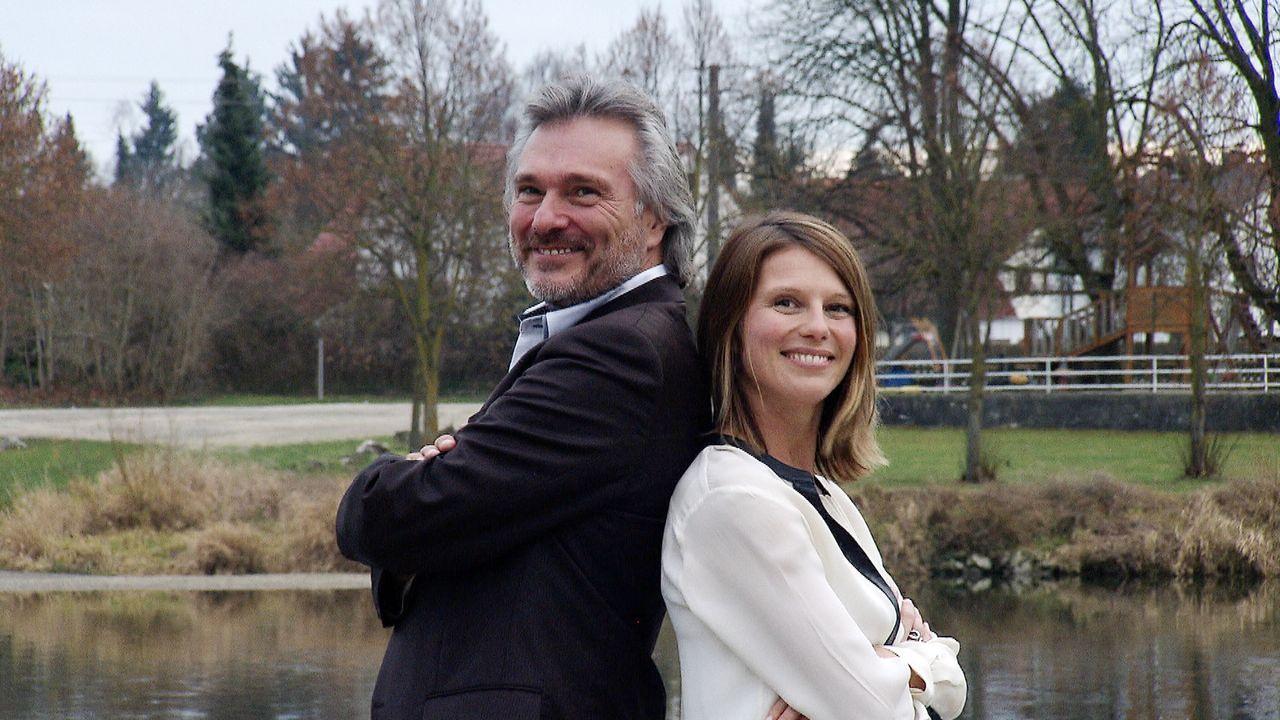 Michel Sawall (l.) und Sasha Rossmann-Yessayan (r.) wollen Familien helfen, die richtige Entscheidung zu treffen: Umziehen oder das alte Eigenheim d... - Bildquelle: kabel eins