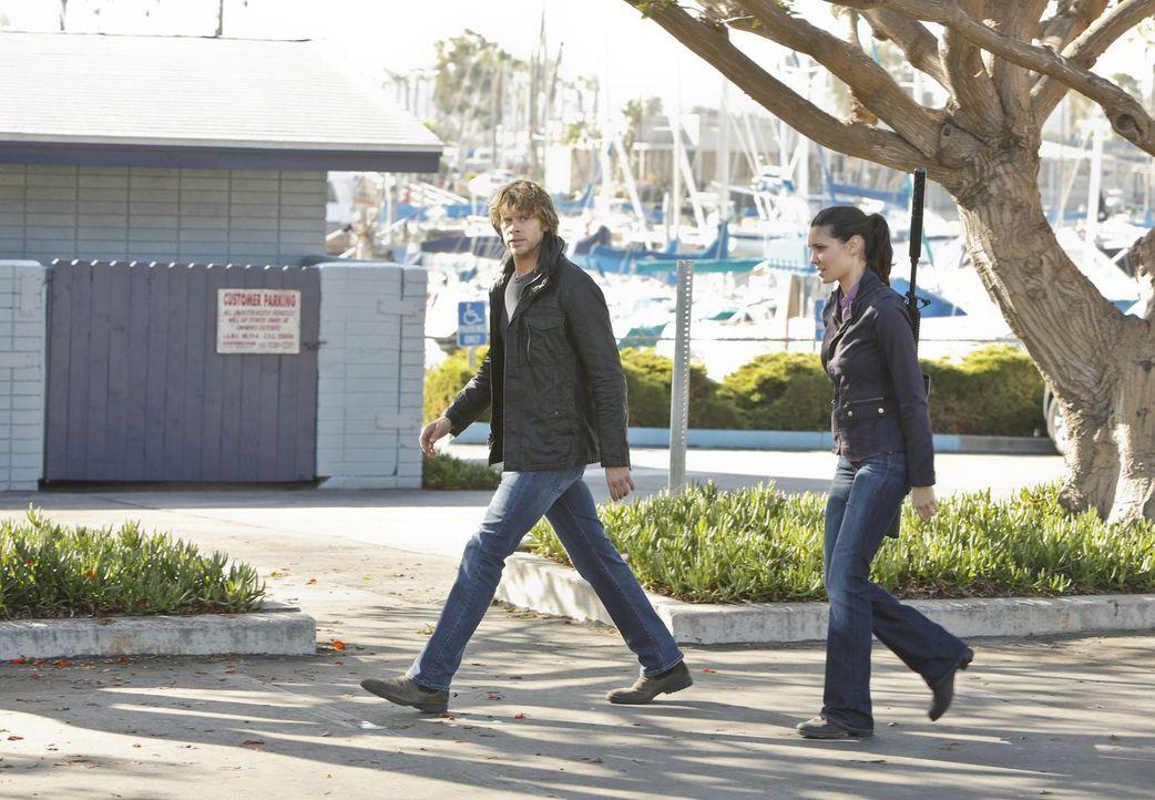 Weil NCIS-Agent Angelo sich in eine Verdächtige zu verlieben scheint, beschließt Hetty, dass Deeks (Eric Christian Olsen, l.) und Kensi (Daniela Rua... - Bildquelle: CBS Studios Inc. All Rights Reserved.