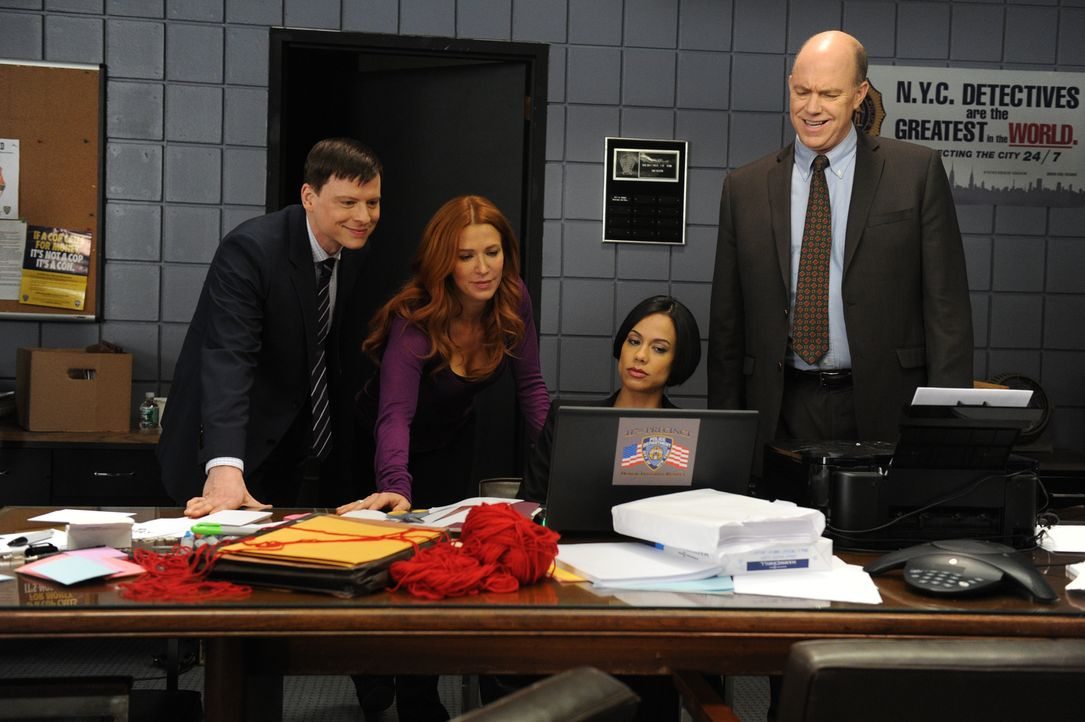 Ein neuer Fall beschäftigt Carrie (Poppy Montgomery, 2.v.l.), Nina (Daya Vaidya, 2.v.r.), Mike (Michael Gaston, r.) und Roe (Kevin Rankin, l.) ... - Bildquelle: 2011 CBS Broadcasting Inc. All Rights Reserved.