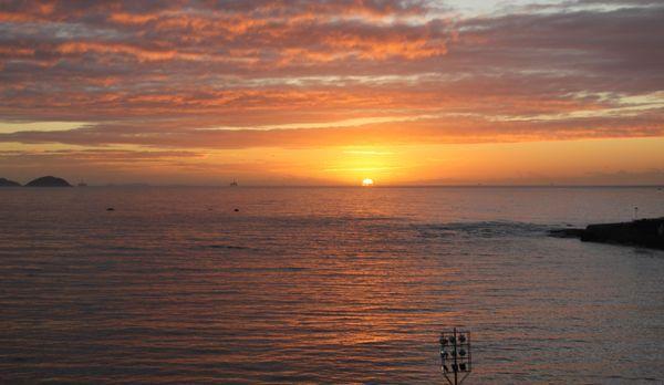 Sonnenaufgang an der Copacabana - Bildquelle: kabel eins