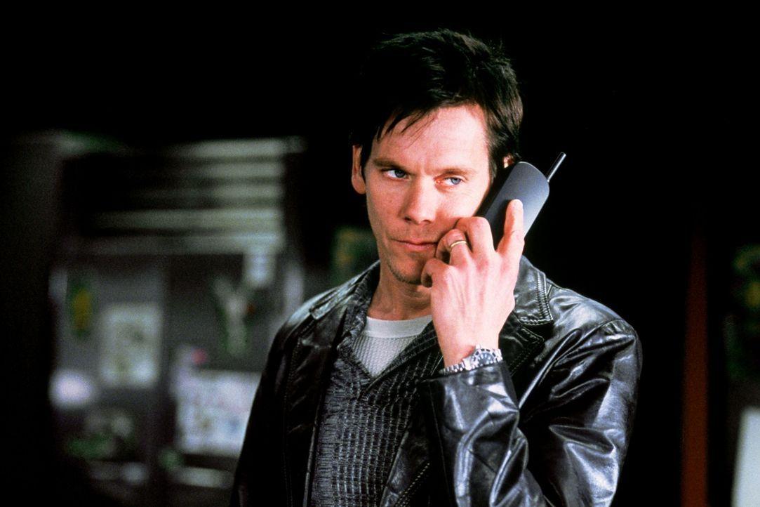 Joe Hickley (Kevin Bacon) glaubt den perfekten Plan zur Kindesentführung zu haben, doch er hat nicht mit der Kraft von Karen gerechnet ... - Bildquelle: Senator Film