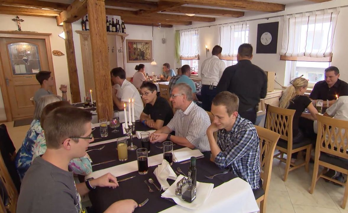 """Wird es Frank Rosin gelingen, wieder mehr Gäste in das italienische Restaurant """"Bella Rosa"""" zu locken? - Bildquelle: kabel eins"""