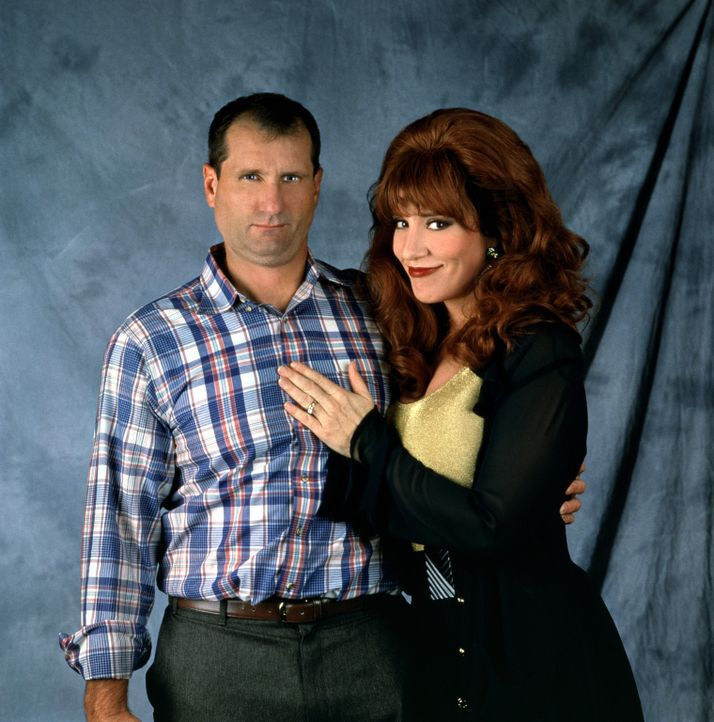 (8. Staffel) - Gegensätze ziehen sich an: Al Bundy (Ed O'Neill, l.) und seine Frau Peggy (Katey Sagal, r.) - Bildquelle: Sony Pictures Television International. All Rights Reserved.