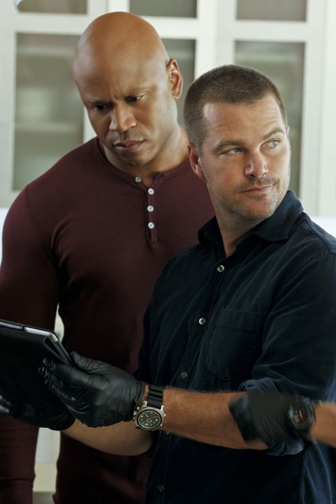 Ermitteln in einem neuen Fall: Callen (Chris O'Donnell, r.) und Hanna (LL Cool J, l.) ... - Bildquelle: CBS Studios Inc. All Rights Reserved.