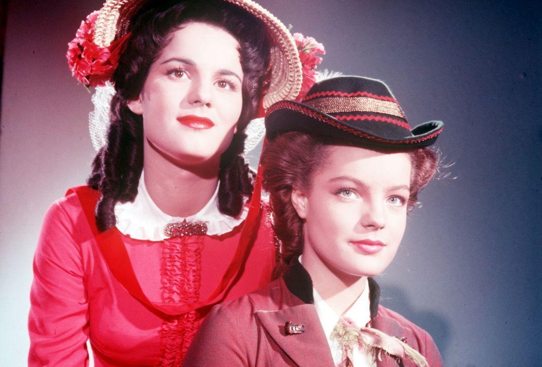 Die Prinzessinnen von Bayern: Die schöne Helene (Uta Franz, l.) und der Wildfang Elisabeth (Romy Schneider, r.) ... - Bildquelle: Herzog-Filmverleih