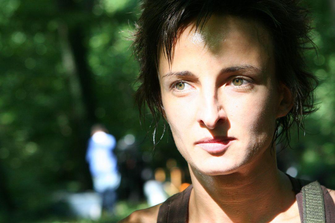 Nimmt den Kampf gegen die Riesenanakonda auf: Sofia (Mihaela Oros) ... - Bildquelle: 2008 Worldwide SPE Acquisitions Inc. All Rights Reserved.
