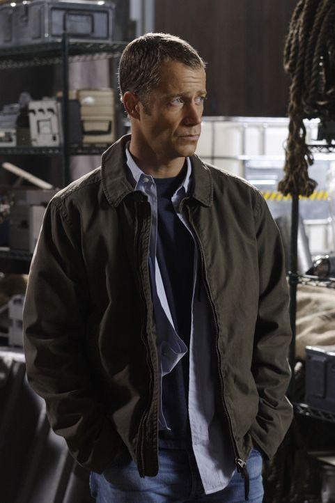 Nachdem Carter (Colin Ferguson) nicht mehr als Sheriff arbeitet, hat er ein Vorstellungsgespräch beim Heimatschutzministerium ... - Bildquelle: Universal Television