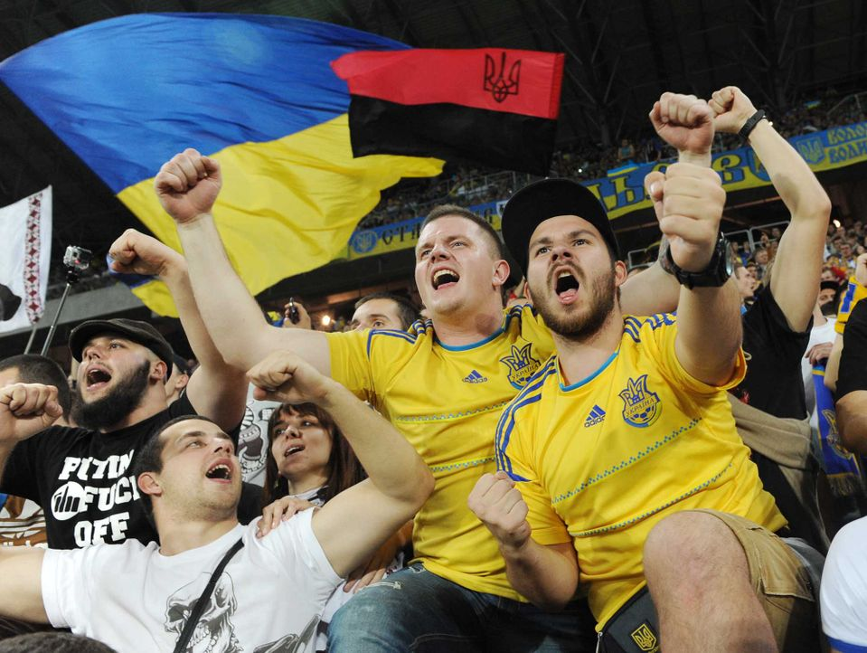 Fußball-Fan-Ukraine-120614-AFP - Bildquelle: AFP