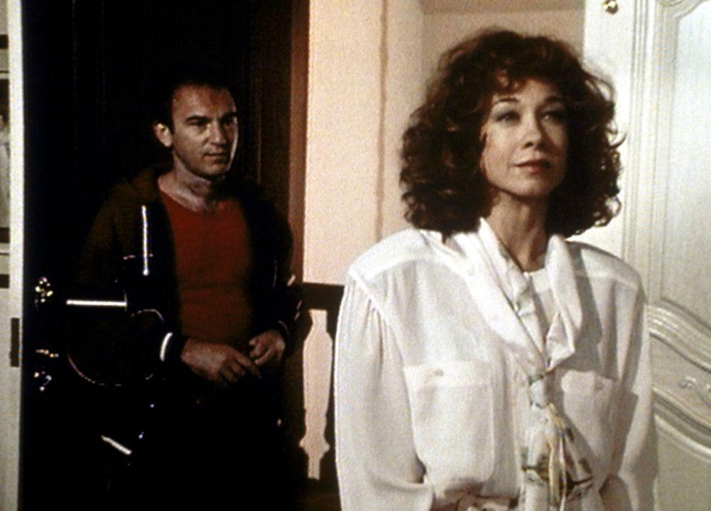Die Ehe von Stanley (John Pleshette, l.) und Constance ((Murphy Cross, r.) steckt in einer Krise. - Bildquelle: Worldvision Enterprises, Inc.