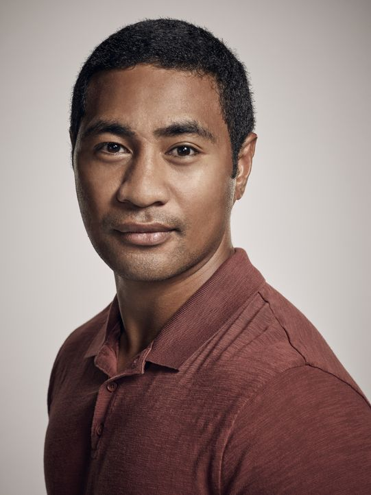 (8. Staffel) - Junior Reigns (Beulah Koale) ist ehemaliger Navy SEAL und derzeit Mitglied der Honolulu Police Department Academy. - Bildquelle: Justin Stephens 2017 CBS Broadcasting Inc. All Rights Reserved. / Justin Stephens