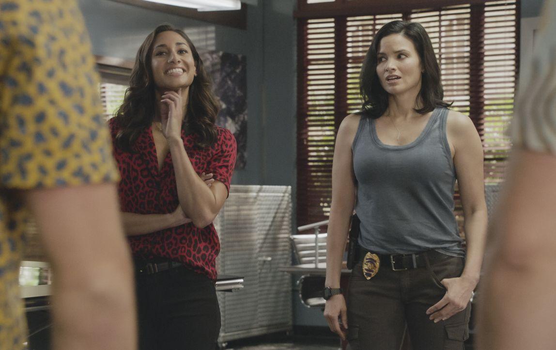 Tani Rey (Meaghan Rath, l.); Quinn Liu (Katrina Law, r.) - Bildquelle: 2019 CBS Broadcasting, Inc. All Rights Reserved.