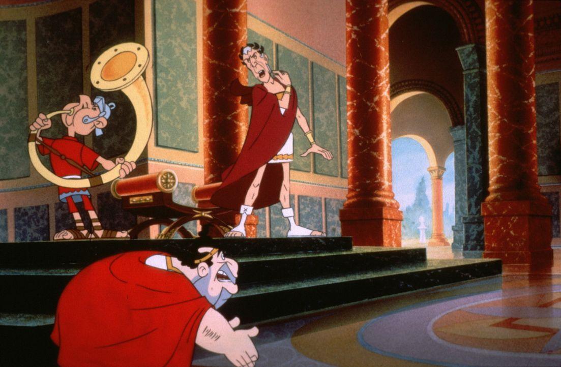 Der große Imperator Julius Cäsar (r.) ist entsetzt, dass aus einem kleinen Dorf in Gallien keine Geburtstagsgeschenke für ihn eintreffen ... - Bildquelle: Jugendfilm-Verleih GmbH