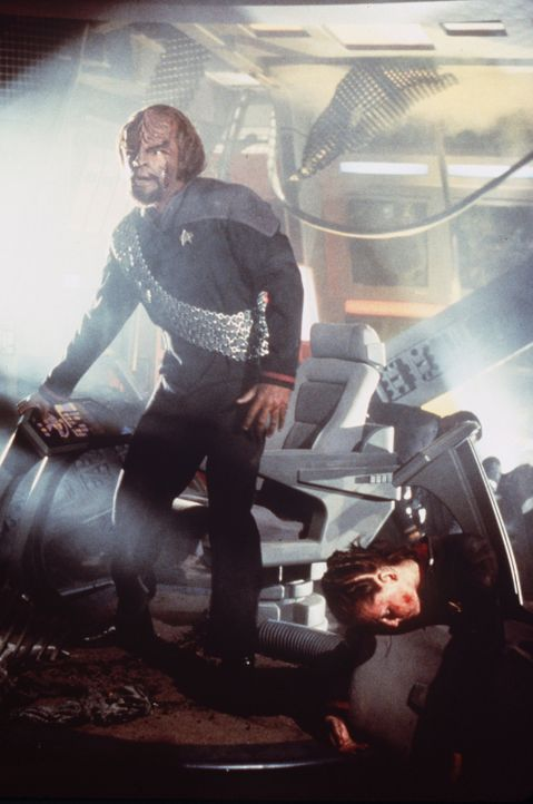 Worfs (Michael Dorn) Quartier nach einer zünftigen Klingonen-Party ... - Bildquelle: Paramount Pictures