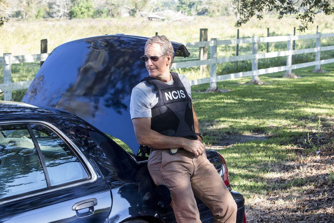 Als er einen Kronzeugen, der im Prozess gegen einen berüchtigten Waffenhändler aussagen soll, nach Texas eskortiert, wird Pride (Scott Bakula) klar,... - Bildquelle: Skip Bolen 2014 CBS Broadcasting, Inc. All Rights Reserved / Skip Bolen