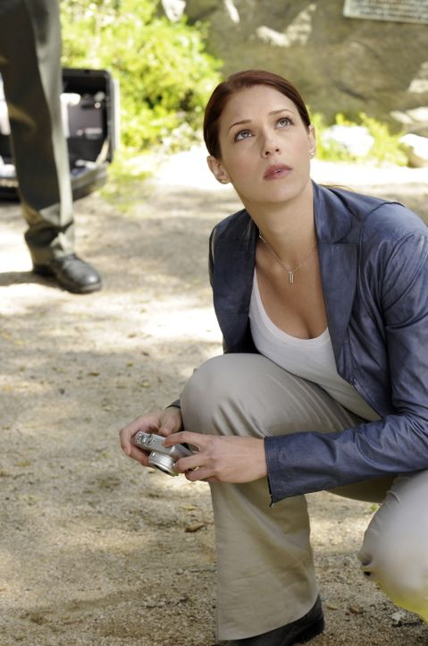 Auf der Suche nach dem Mörder von Emma Plaskett: Grace (Amanda Righetti) ... - Bildquelle: Warner Bros. Television