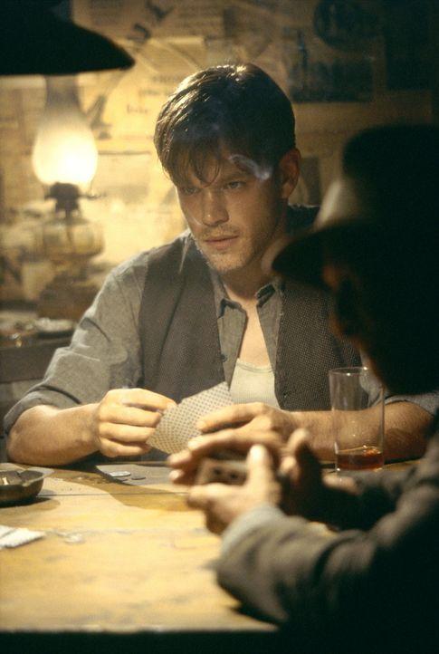 Der Erste Weltkrieg erschüttert Rannulph Junuh (Matt Damon) bis in Mark. Außerdem verliert er Adele aus den Augen und beginnt zu spielen und zu tr... - Bildquelle: 20th Century Fox Film Corporation