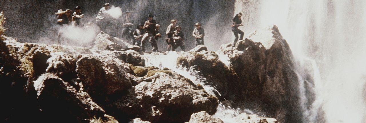 Eine Bande von Desperados unter ihrem skrupellosen Anführer Rollins provoziert aus Gewinnsucht kriegerische Auseinandersetzungen zwischen Siedlern... - Bildquelle: Columbia Pictures
