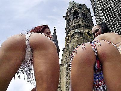 Popo-Parade - Bildquelle: ddp