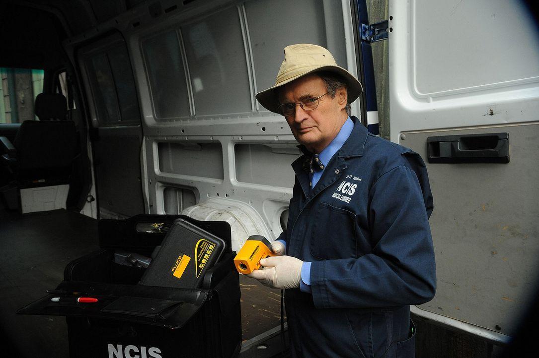 Bei den Ermittlungen in einem neuen Fall: Ducky (David McCallum) ... - Bildquelle: CBS Television