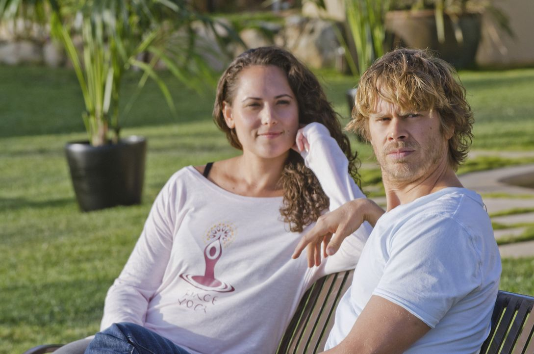 Um den Tod eines Marineoffiziers zu untersuchen, gibt sich Deeks (Eric Christian Olsen, r.) als neuer Patient eines Rehabilitationszentrums aus. Doc... - Bildquelle: CBS Studios Inc. All Rights Reserved.