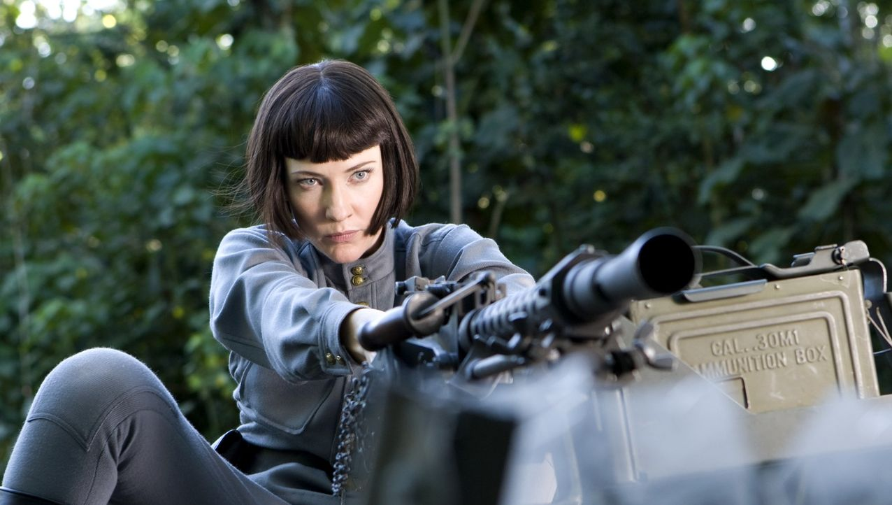 Setzt alles daran, um an den legendären Kristallschädel zu gelangen: die sowjetische Agentin Irina Spalko (Cate Blanchett) ... - Bildquelle: David James & TM 2008 Lucasfilm Ltd. All Rights Reserved.