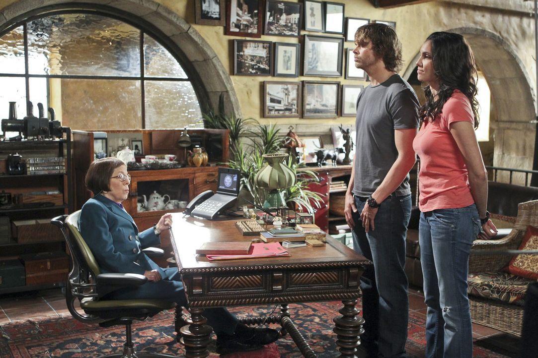 Antreten bei der Chefin: Hetty (Linda Hunt, l.) hat sowohl mit Deeks (Eric Christian Olsen, M.) als auch mit Kensi (Daniela Ruah, r.) ein ernstes Wö... - Bildquelle: CBS Studios Inc. All Rights Reserved.