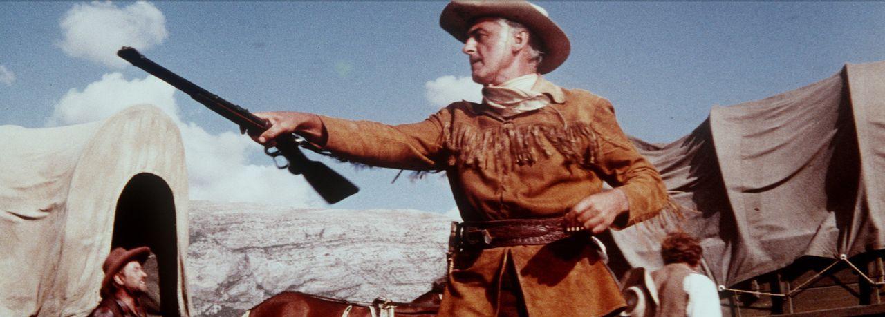 Old Surehand (Stewart Granger) weiß von düsteren Plänen der Geier-Bande, und genau diese versucht er zu durchkreuzen ... - Bildquelle: Columbia Pictures