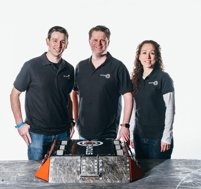 Team Storm II ist bereit, sich mit ihrem Roboter in der Kampfarena zu beweisen... - Bildquelle: Andrew Rae