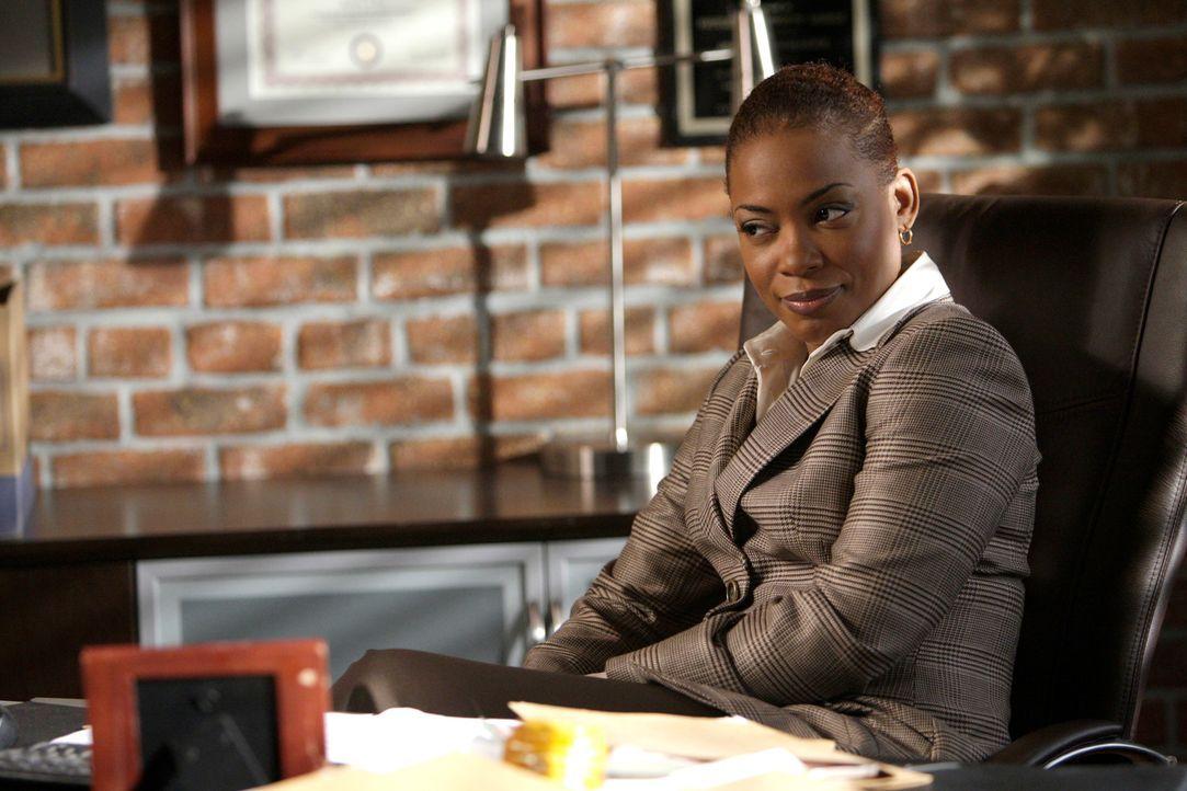 Neu im Team: Abteilungsleiterin Madeleine Hightower (Aunjanue Ellis) ... - Bildquelle: Warner Bros. Television