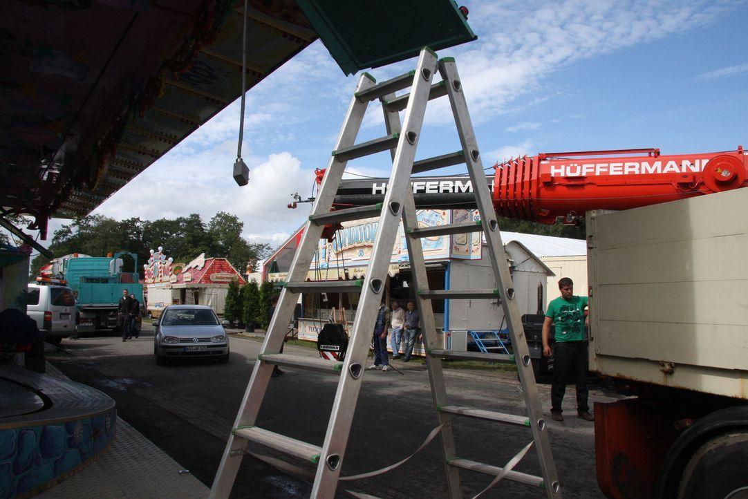 """Sie ist die neueste Attraktion im Wiener Prater: die """"Schwarze Mamba"""". """"Abenteuer Leben"""" blickt hinter die Kulissen des Freizeitpark-Geschäfts und... - Bildquelle: kabel eins"""