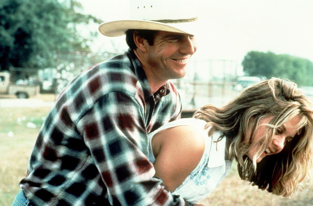 Der von seiner Vergangenheit getriebene Arlis (Dennis Quaid, l.) verliebt sich nach und nach in die hübsche und unschuldige Kay (Meg Ryan, r.). - Bildquelle: Paramount Pictures