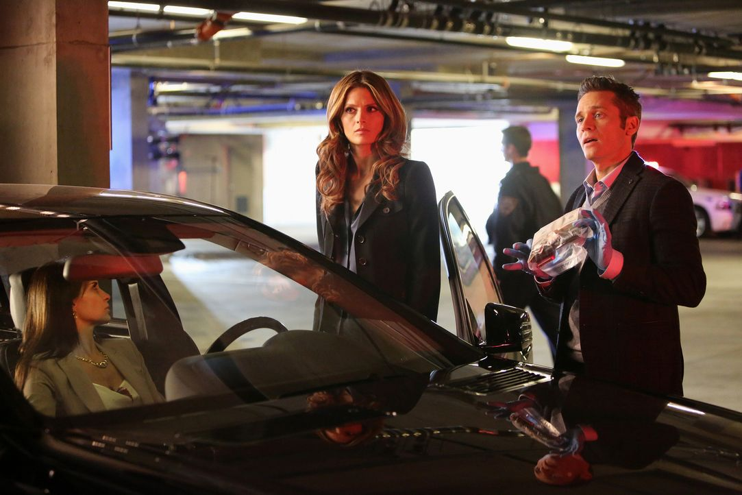 Die Primatenforscherin und Paartherapeutin Alice Clark (Darstellerin unbekannt) wird ermordet in ihrem Wagen aufgefunden. Kate (Stana Katic, M.) und... - Bildquelle: 2013 American Broadcasting Companies, Inc. All rights reserved.