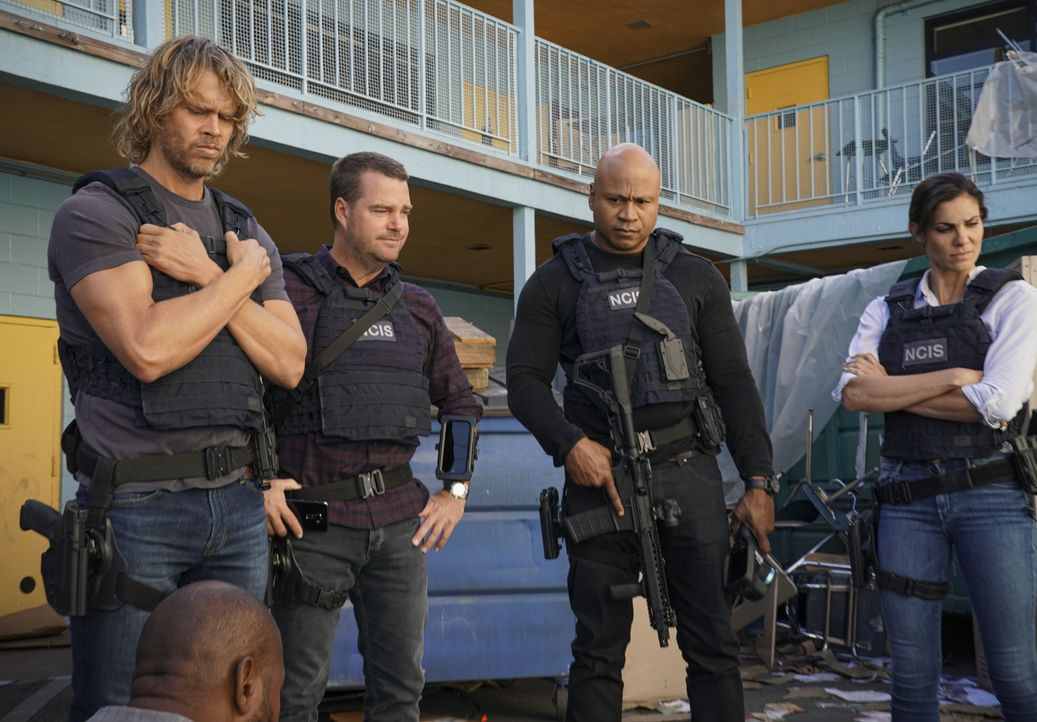 (v.l.n.r.) Marty Deeks (Eric Christian Olsen); G. Callen (Chris O'Donnell); Sam Hanna (LL Cool J); Kensi Blye (Daniela Ruah) - Bildquelle: Michael Yarish 2019 CBS Broadcasting, Inc. All Rights Reserved. / Michael Yarish