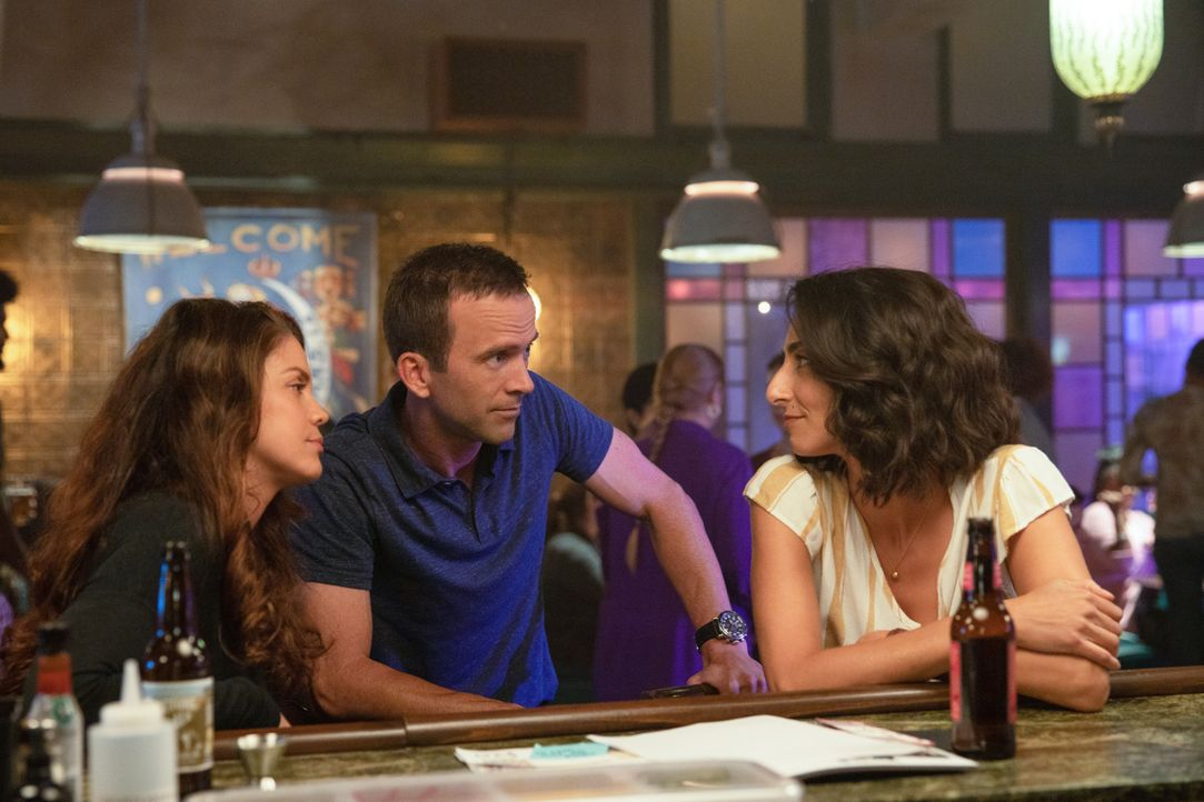(v.l.n.r.) Tammy Gregorio (Vanessa Ferlito); Christopher LaSalle (Lucas Black); Special Agent Hannah Khoury (Necar Zadegan) - Bildquelle: Sam Lothridge 2019 CBS Broadcasting Inc. All Rights Reserved. / Sam Lothridge