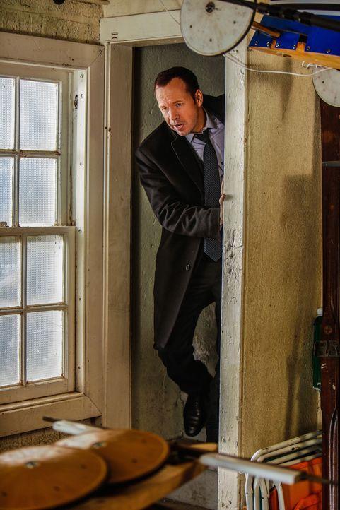 Ausgerechnet seine Frau sorgt dafür, dass Danny (Donnie Wahlberg) keine Spur bekommt, wer der amoklaufende Drogendealer sein könnte ... - Bildquelle: Craig Blankenhorn 2013 CBS Broadcasting Inc. All Rights Reserved.