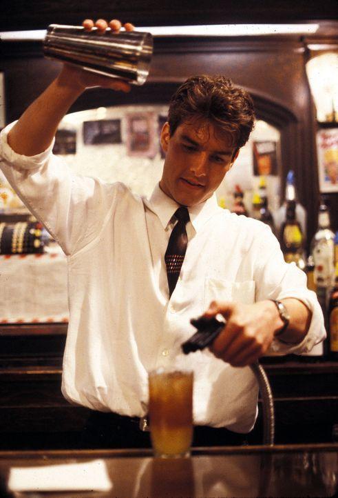 Bereits nach kurzer Zeit avanciert Brian (Tom Cruise) zum Meistermixer New Yorks. Ihn zieht's jedoch nach Jamaika, denn das karibische Paradies lock... - Bildquelle: Touchstone Pictures