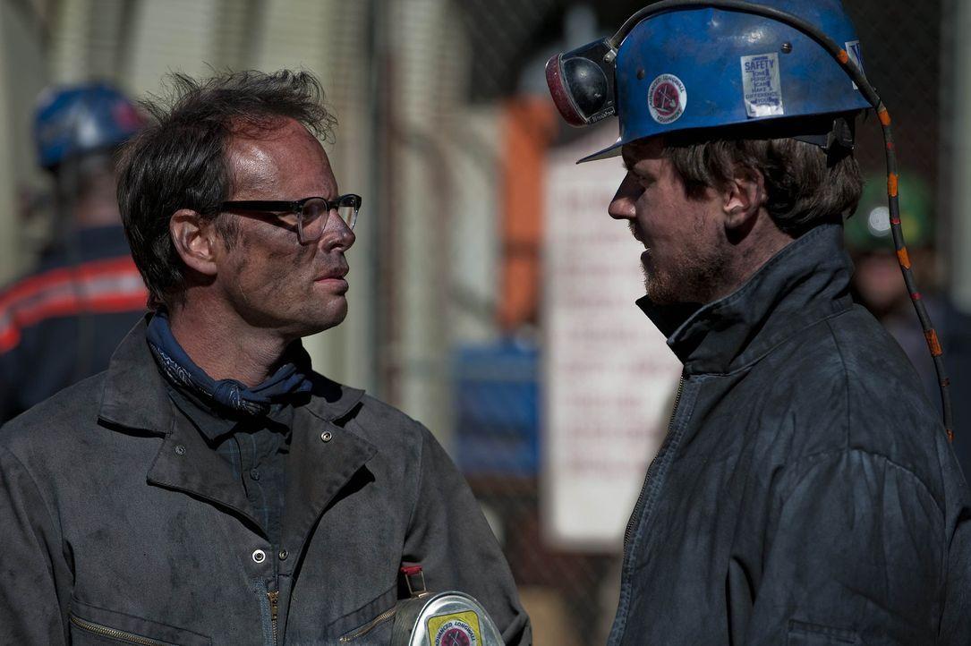 Kyle (Michael Mosley, r.) versucht Boyd (Walton Goggins, l.) auf die dunkle Seite seiner Vergangenheit zurückzuholen. Wird sich Boyd darauf einlass... - Bildquelle: Sony Pictures Television Inc. All Rights Reserved.