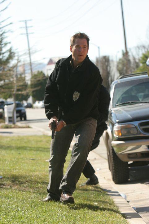 Mit vielen Tricks gelingt es Tony (Michael Weatherly) und seinen Leuten, die Verbrecher zu orten und zu übertölpeln ... - Bildquelle: CBS Television
