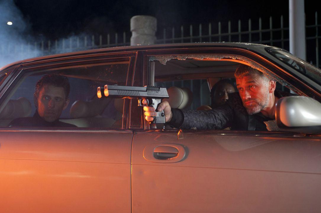 """Unterwelt-Boss Benjamin Chudnofsky (Christoph Waltz, r.) entwickelt einen ausgeklügelten Plan, um die """"grüne Hornisse"""" dauerhaft auszuschalten ... - Bildquelle: Motion Picture   2011 Columbia Pictures Industries, Inc. All Rights Reserved."""