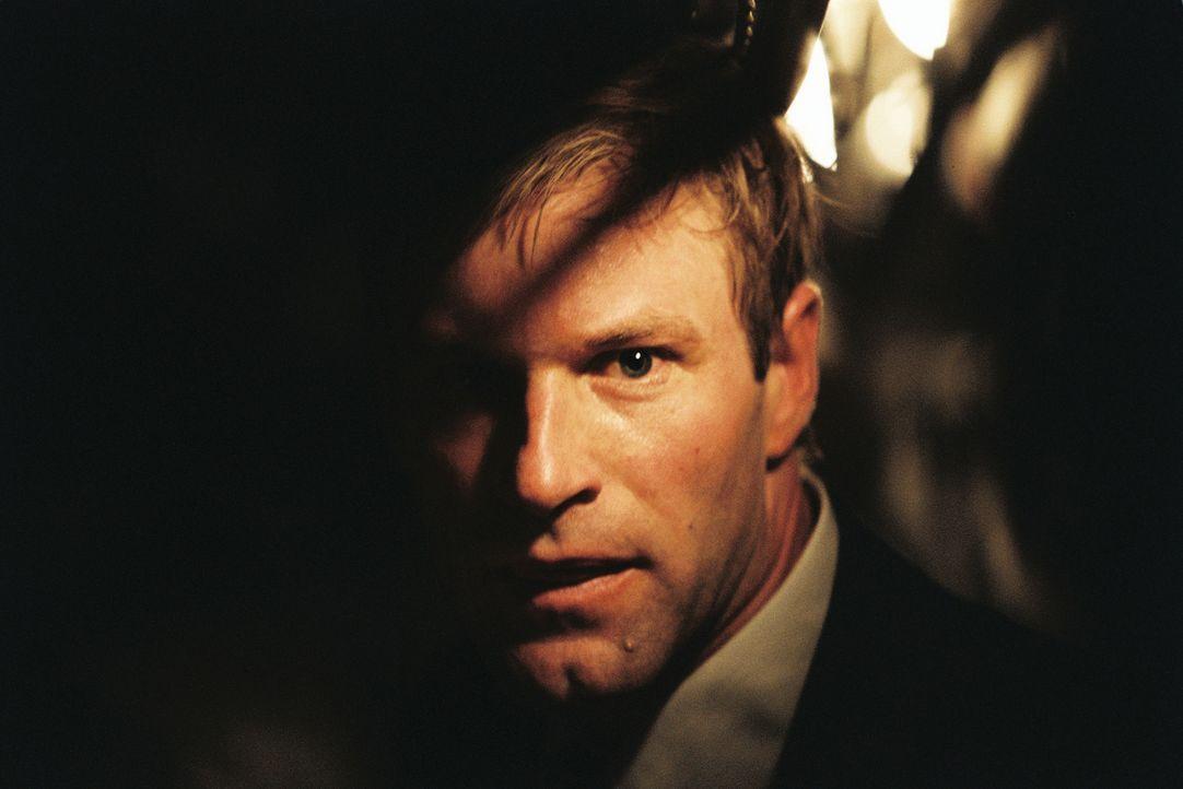 Schon bald findet sich FBI-Agent Mackelway (Aaron Eckhart) auf einer gefährlichen Fährte wieder, die ihn direkt in die Psyche eines Killers führt ..... - Bildquelle: 2006 Sony Pictures Television International