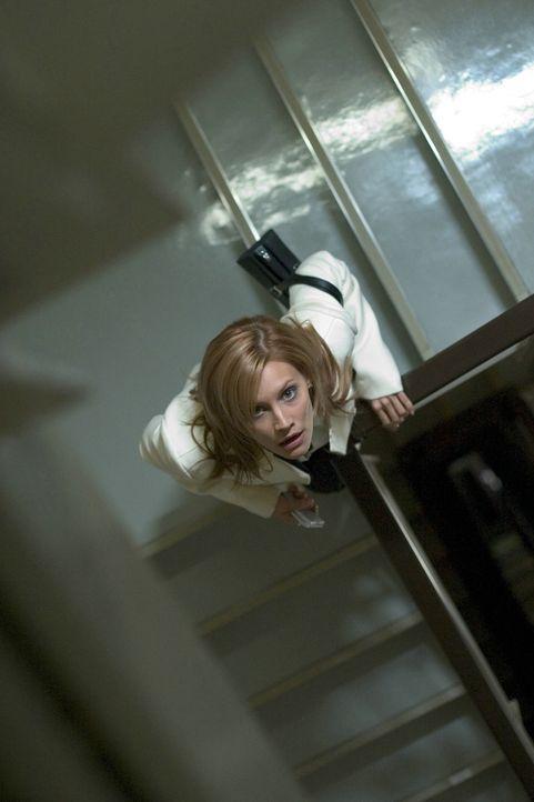 Austausch-Krankenschwester Karen (Sarah Michelle Gellar) hört verdächtige Geräusche vom Dachboden des alten Hauses. Was sie dort erwartet, übersteig... - Bildquelle: Constantin Film