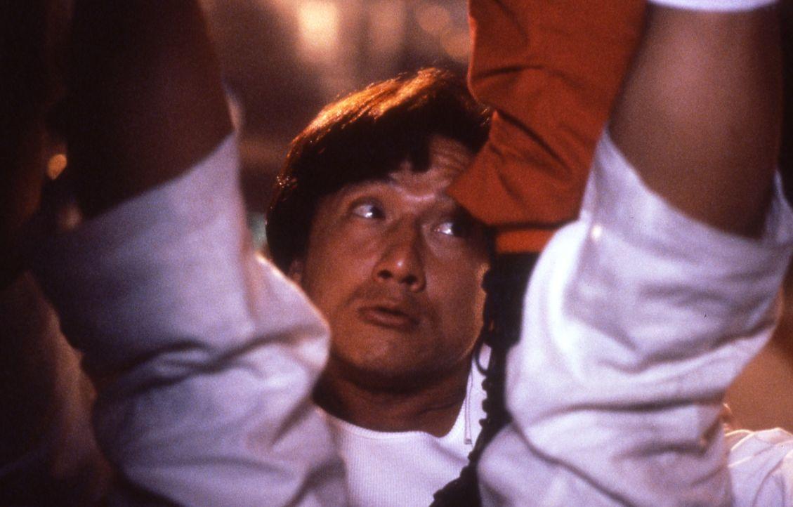 Der japanische Privatdetektiv Ryu Saeba (Jackie Chan), auch City Hunter genannt, bekommt von einem Millionär den Auftrag, dessen verschwundene Tocht... - Bildquelle: 20th Century Fox Home Entertainment