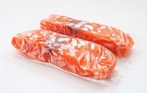 TK-Lachs - zwei gefrorene und eingeschweißte Filets